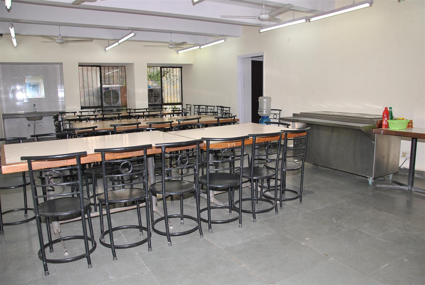 Photo gallery indian institute of mass communication for Kitchen dining hall design